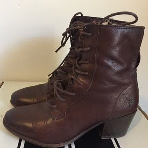 Frye Courtney laceup booties (7M, Brown)